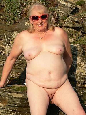elder statesman mature nude foto