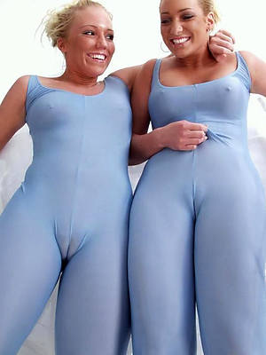 mature cameltoes foto