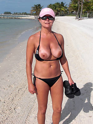 pictures be required of mature women in bikinis