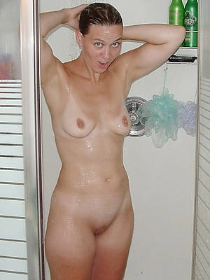 nude mature column in the shower porno pictures
