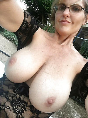 selfies of sexy mature women