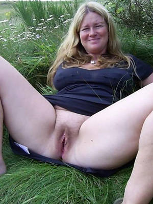 mature outdoor nude porn pictures