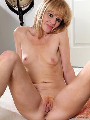 mature women small Bristols nude pics