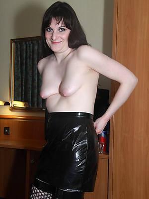 Bohemian amature mature big saggy boobs foto