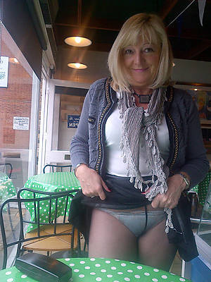 free pantyhose grown up pics