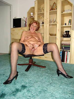mature milf in stockings porn pic download