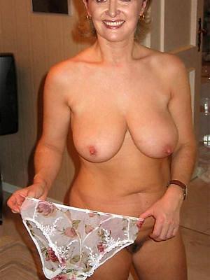 attractive mature women in panties pictures