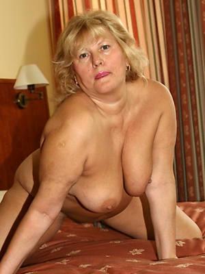appealing nude mature blonde mom
