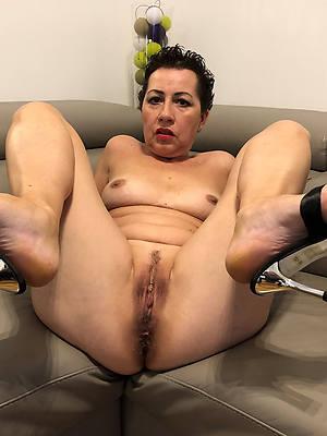 mature ladies in heels big pussies