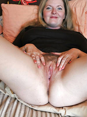mature pussy up close home pics