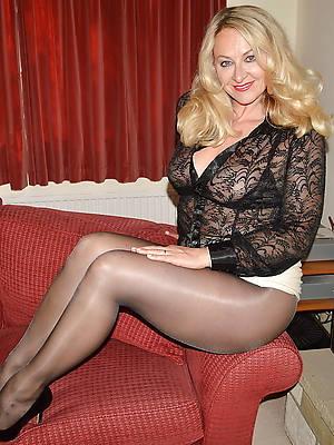 beautiful mature women non nude pics