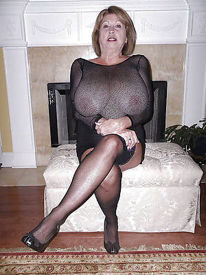 mature women non nude pictures
