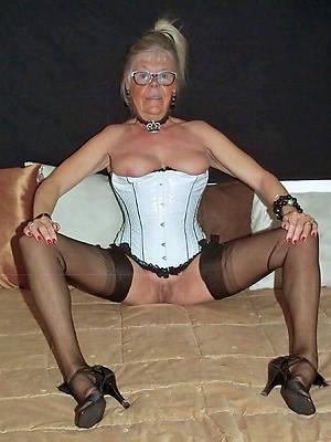 amateur mature granny tits gallery