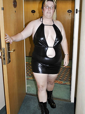 nasty full-grown in latex unconforming pics