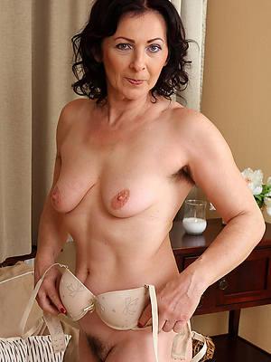 Bohemian hd mature girlfriend nude photos