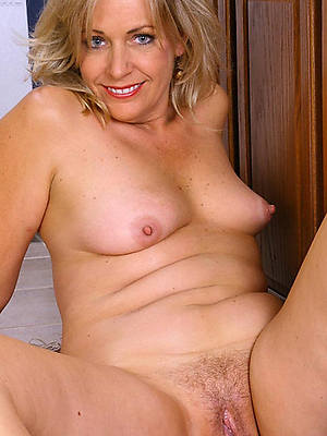 wet mature vulva high def porn