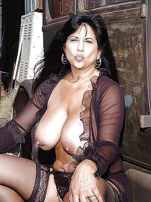 take charge mature latinas porno pics