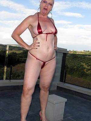 beautiful XXX mature bikini pics