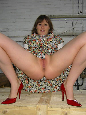 beautiful hot mature singles