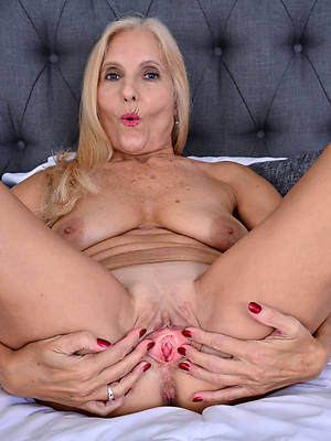 lovely sexy mature hot pussy