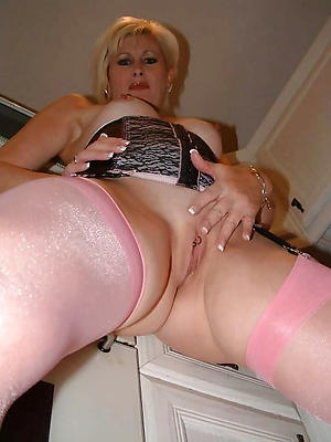 free pics of shaved mature pussy