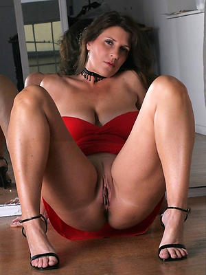 porn pics of shaved mature pussy