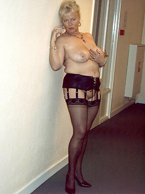 slutty matures in stockings galleries