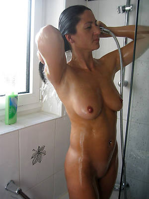 nude busty grown-up shower pics