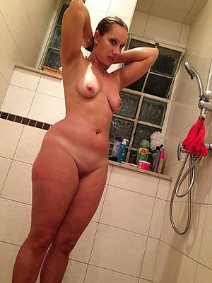 nude mature women in shower porno pictures