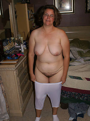 hot real mature pussy behold thru