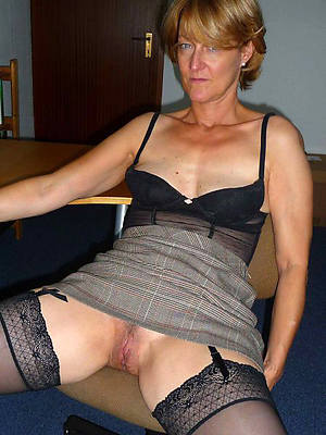free pics for uk mature upskirt