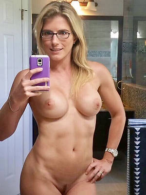 unorthodox naked mature hot selfies images