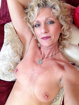 naked beauty mature selfie pictures