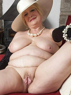 paragon mature nudes displaying say no to pussy
