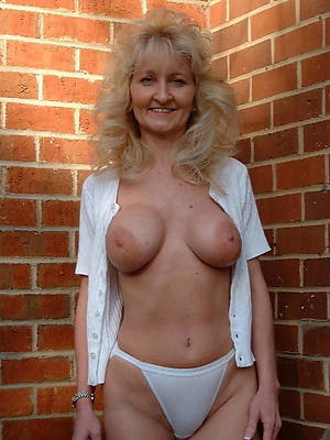 naked pics be incumbent on mature moms in drawers