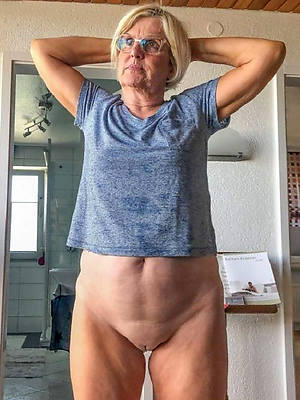 comely sexy mature grannies