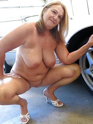 free pics of hot mature naked grannies