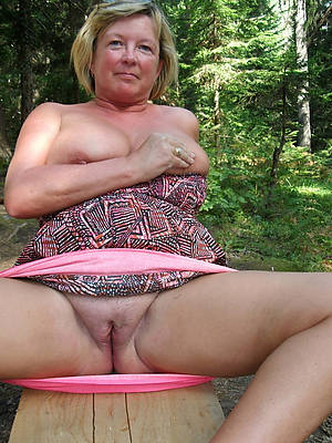 50 year old matured women displaying her pussy