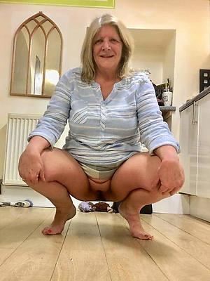 miniature matured older pussy unfold pics