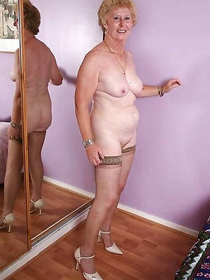 starkers immaculate ancient ladies pictures