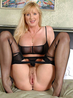 mature nylon limbs porn