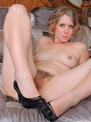 lovely mature naked legs porn