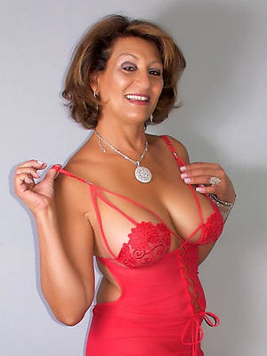 hot pics of mature babes in underthings