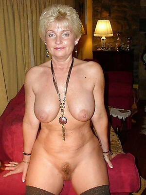 easy pics of nude old white little one