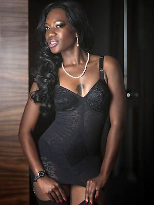 elegant mature black woman free porn gallery