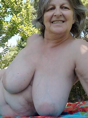 venal naked mature grandma pics