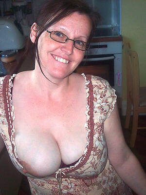 hot mom grown-up displaying her pussy