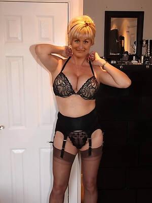 vest-pocket-sized 50 mature pussy free porn pics