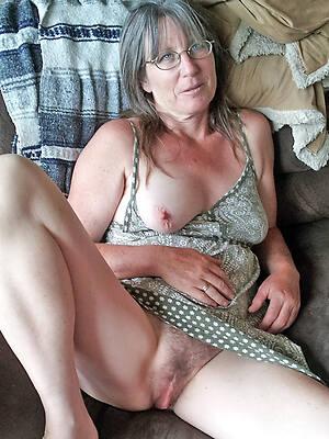 naked pics of mature upskirt sara