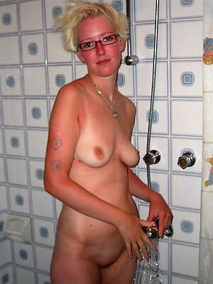 amateur hot matured women in the shower pics